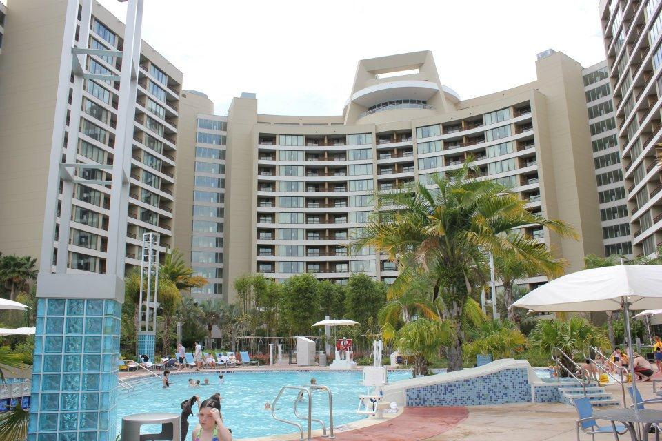 bay lake tower rear pool view